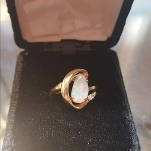 Jewelry - Opal Gold Ring